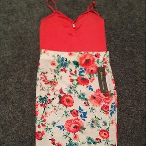 Dresses & Skirts - Two piece set. Cami top & Floral Pencil skirt